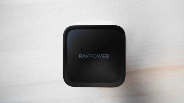 RAVPower『RP-PC133』 の本体側面