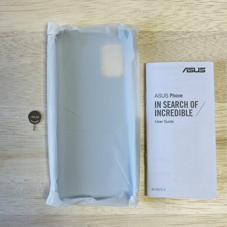 Zenfone8(ZS590KS)のパッケージ内中箱一覧