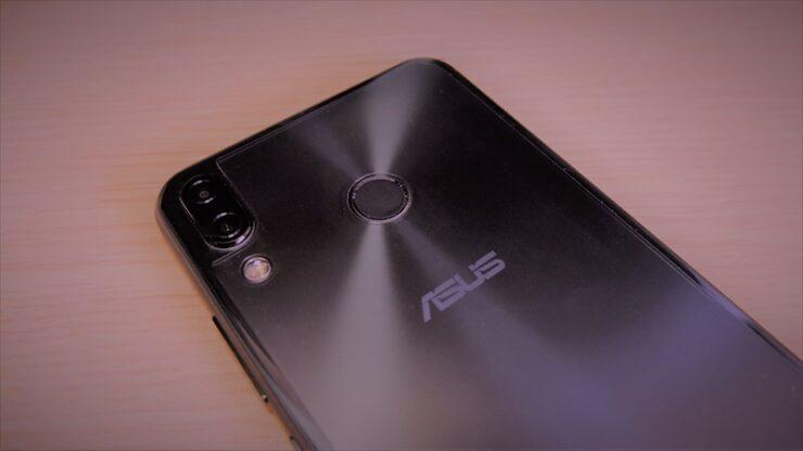 ZenFone5の保護フィルムをミヤビックス