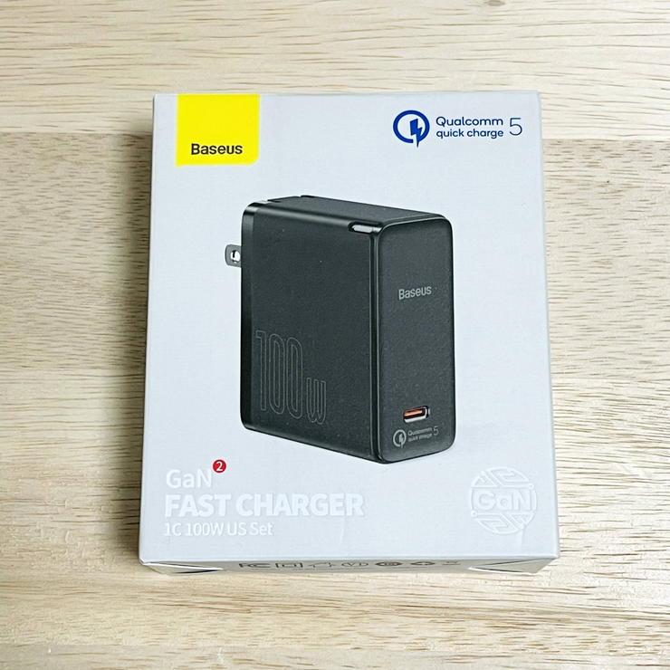 Baseus100Wのパッケージ